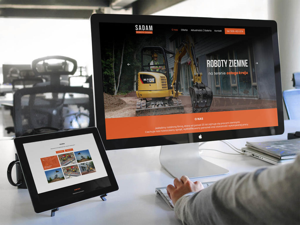 Apple-cinema-display-ipad-work-environment